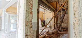 Lors d'une rénovation, un architecte n'a pas (trop) le droit de dépasser son devis…