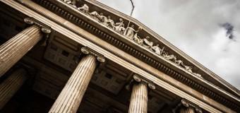 En immobilier, le garant a intérêt à ne pas rembourser trop vite la banque dès la première réclamation, cela interdit à l'emprunteur de contester une décision